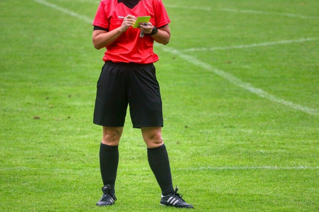 yellow-card-soccer referee